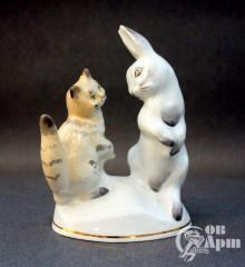 "Скульптура ""Заяц и кот"""